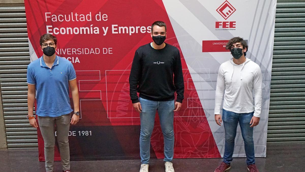 Cuatro grupos de estudiantes de la Facultad de Economía y Empresa de la UMU finalistas en el juego de simulación empresarial de Business Talents