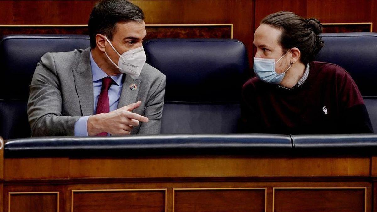 Sánchez y Casado extreman su enfrentamiento ante el 4-M: falta de pudor, fiascos, pena y Monopoly