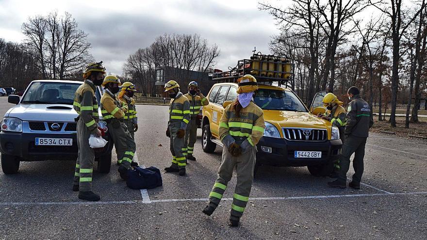 Simulacro de incendio en la Casa del Parque de Sanabria a cargo de brigadas de Medio Ambiente