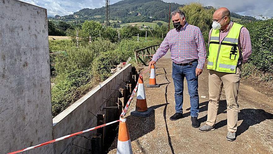Siero repara un tramo de diez metros de la senda de La Cebera que se había derrumbado