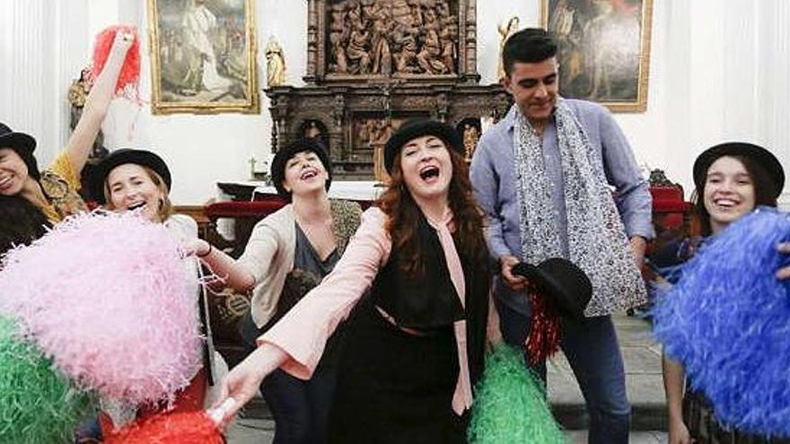 Polémica en la Universidad de Oviedo por un cuplé erótico en la capilla del Aula Magna