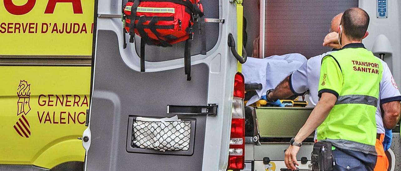 Una ambulancia del SAMU asiste una emergencia en la provincia. |