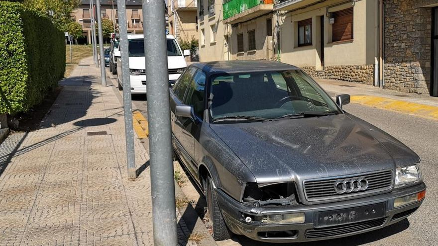 ERC de Puigcerdà denuncia el col·lapse al dipòsit municipal que omple la vila de vehicles abandonats