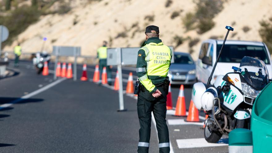 La Guardia Civil pone a disposición judicial a 64 conductores por delitos contra la seguridad vial en un mes