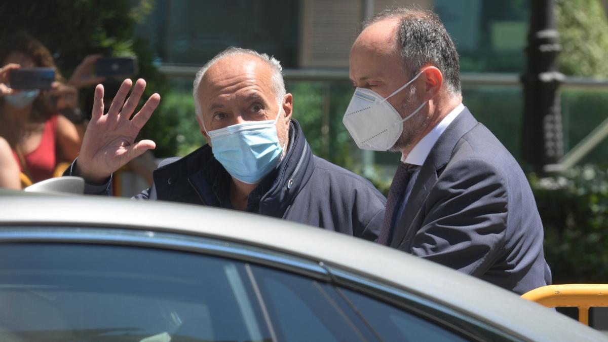José Luis Moreno saliendo de prisión.