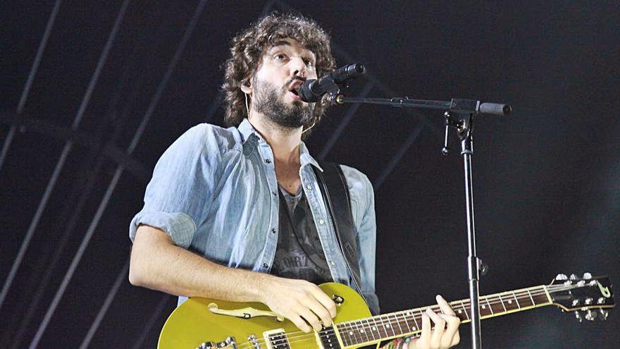 El cantante Mikel Izal recauda más de 19.000 euros para alimentos