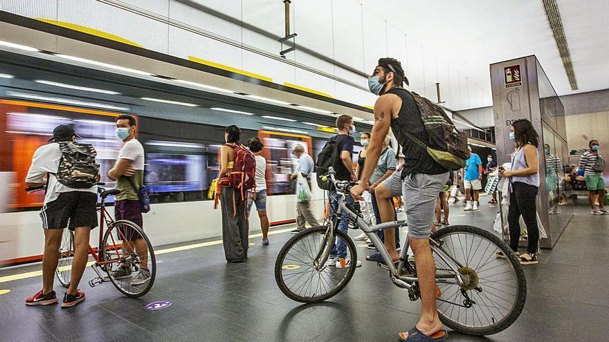El TRAM y el autobús urbano registran las mejores cifras de viajeros desde el inicio del covid