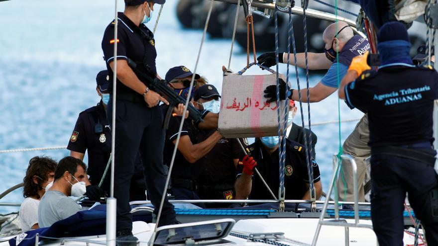 Los narcos buscan en las Islas una nueva ruta del hachís alternativa al Estrecho