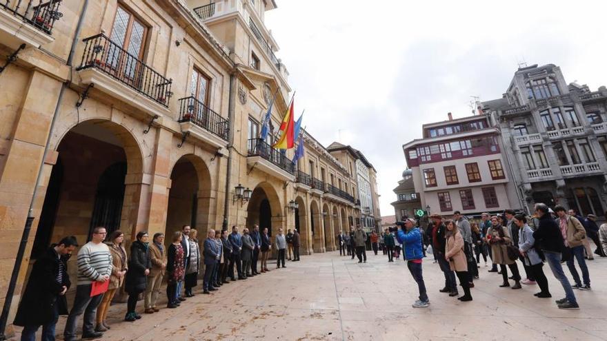 Doble acto para recordar a las víctimas del terrorismo y rememorar el 11-M en Oviedo