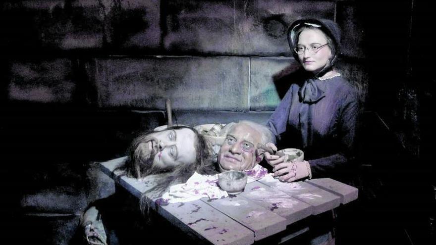 Una artista de la decapitación