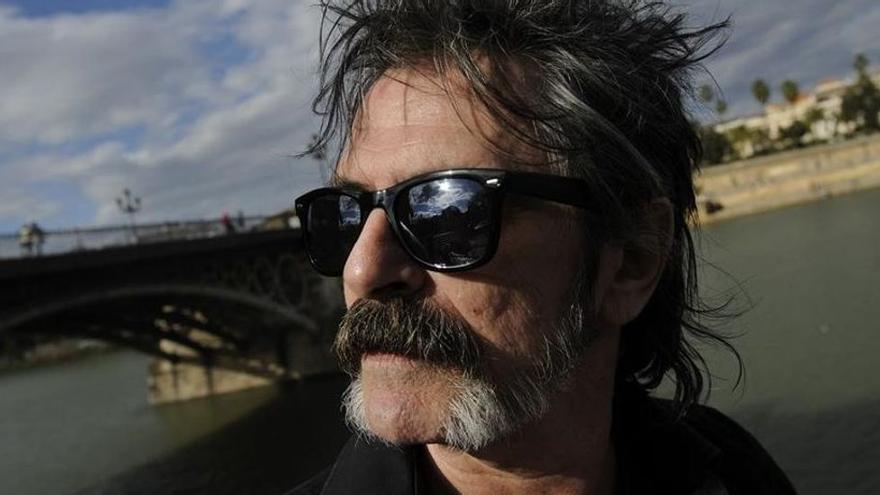La larga espera para incinerar al crítico musical Oriol Llopis en Alicante