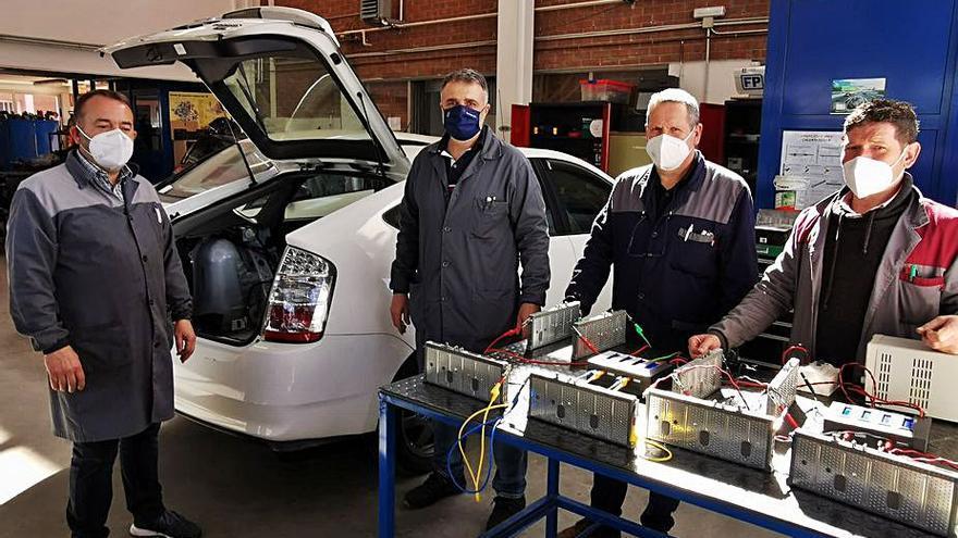 Lalín pide ayudas para puntos de carga de coches y el Antón Losada se forma en su mantenimiento