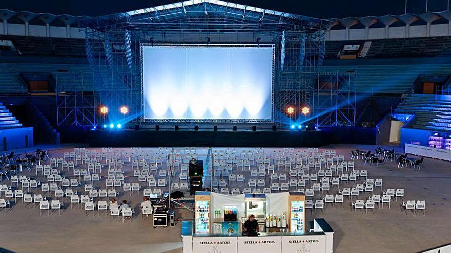 Marbella Arena arranca con actuaciones de humor y música