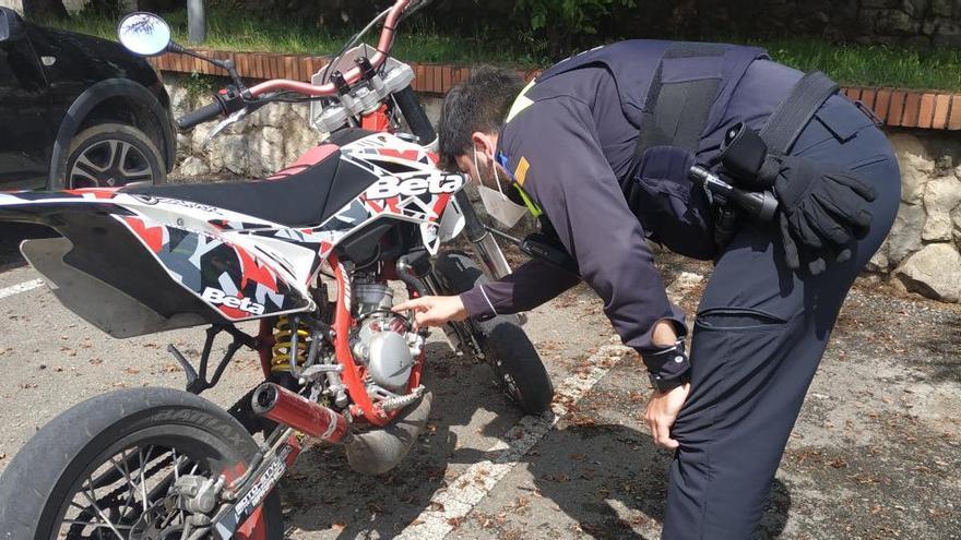 La Policia Local de Berga inicia una campanya de seguretat viària en ciclomotors i motocicletes