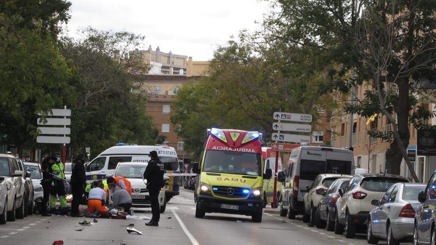 Muere un motorista de 48 años en Dénia al chocar con un ciclomotor