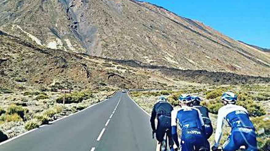 El británico Chris Froome se entrena desde el  jueves en Tenerife