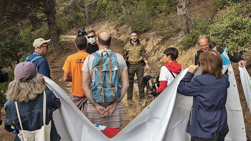 Acció a Lloret per reclamar el dret de pas a Can Juncadella