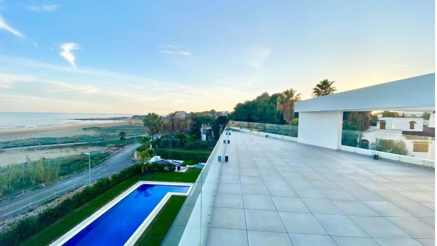 Villas de lujo a cambio de un 'retiro' en el Mediterráneo
