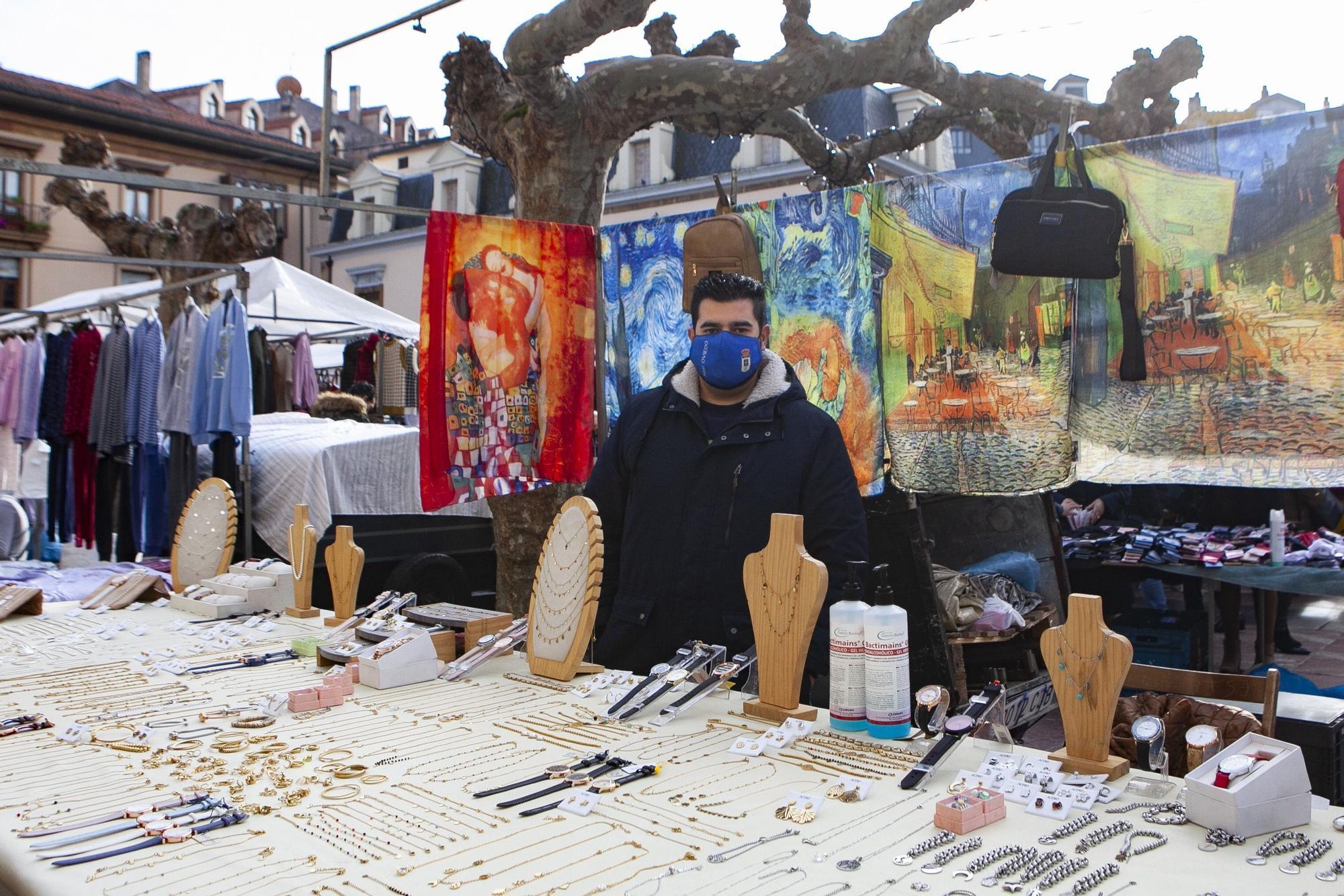 Ambiente en el mercado de El Fontán