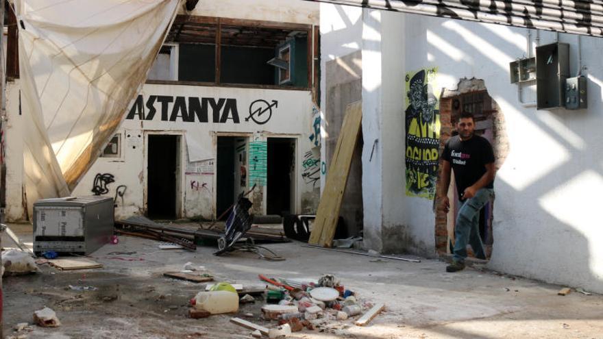 Dues detingudes a Gràcia per resistir-se al desallotjament de Ka la Kastanya