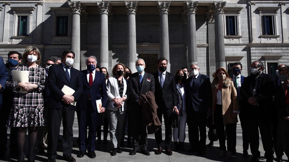 El grupo que ha presentado el recurso contra la ley de eutanasia