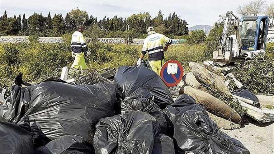 Cort inicia la limpieza de los tramos urbanos de los torrentes de Palma ante la inacción del Govern