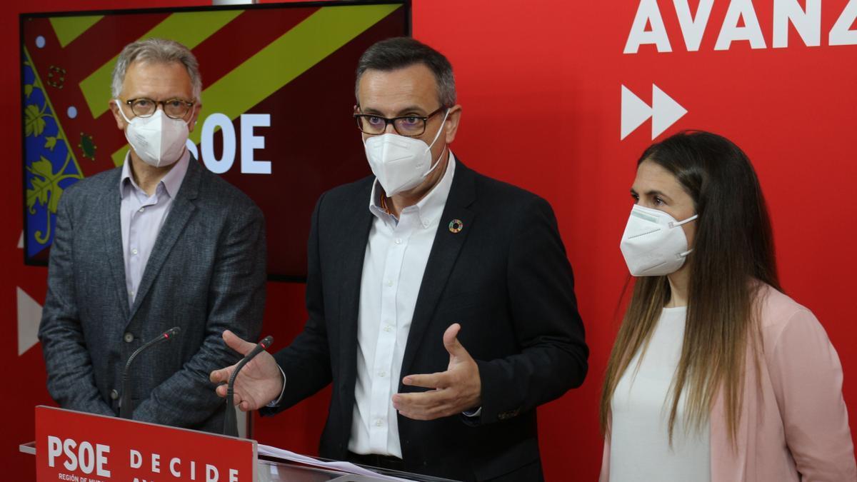 Roger Llanes, Diego Conesa y Rosa Gillén.