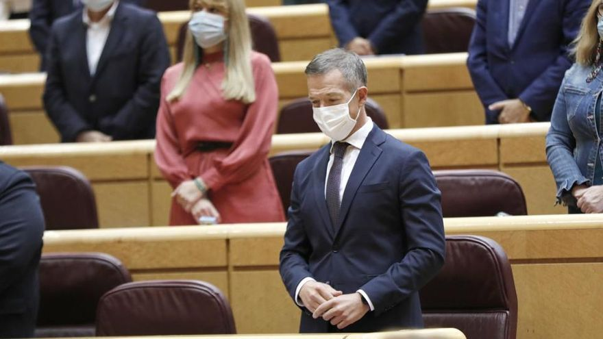PSOE y PNV rechazan una moción para cesar a los políticos que se vacunen irregularmente