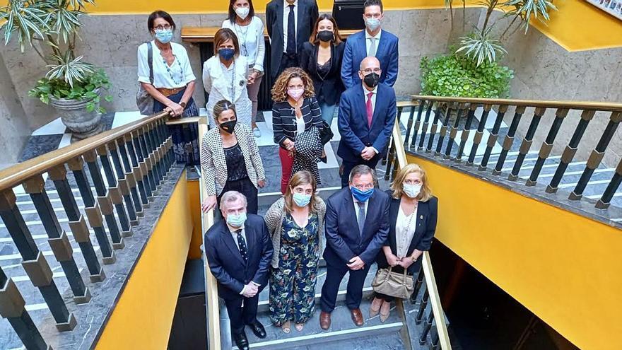 El Colegio de Abogados de Oviedo reúne a su junta en Infiesto