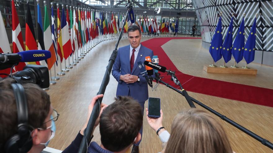 """Sánchez pide a Europa incorporar """"más urgencia"""" al debate sobre el precio de la luz"""