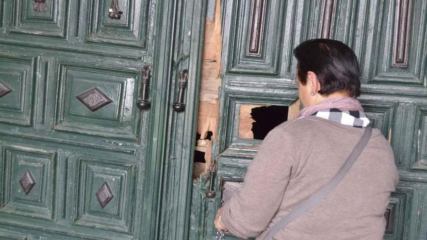 Los ladrones roban y provocan serios daños en el santuario de la Carballeda, en Rionegro