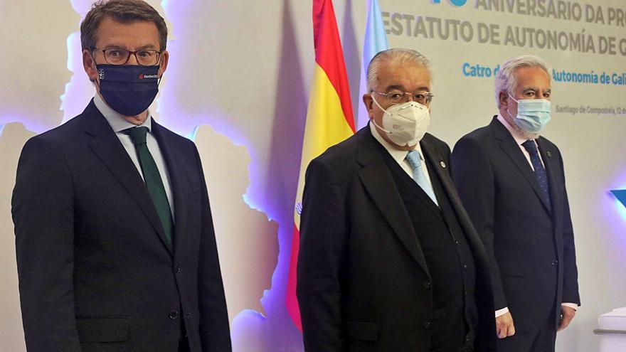 Feijóo advierte de los riesgos de reformar el Estatuto y pone a Cataluña como ejemplo