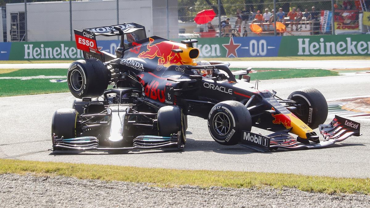 Hamilton-Verstappen: polémico accidente y pique que pudo acabar en tragedia