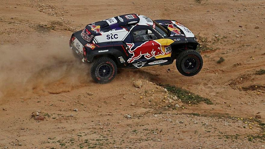 Dakar Barreda salva un dia difícil i Sainz torna a perdre minuts