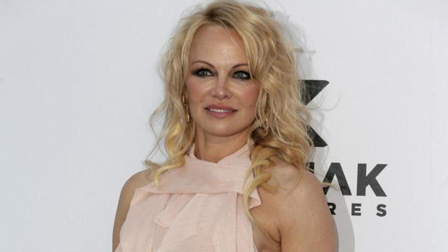 Pamela Anderson se separa doce días después de casarse