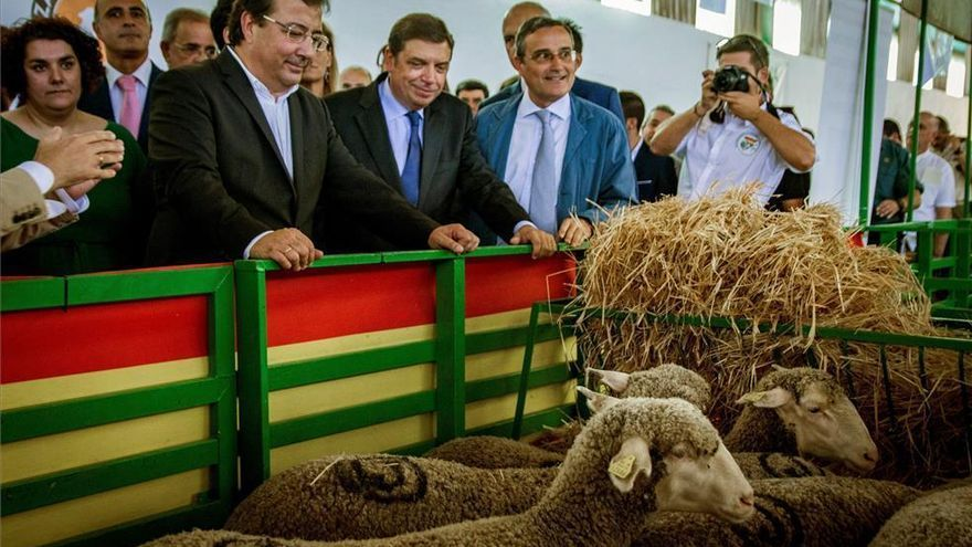 Luis Planas y Vara inaugurarán la I Feria Ganadera Virtual de Zafra