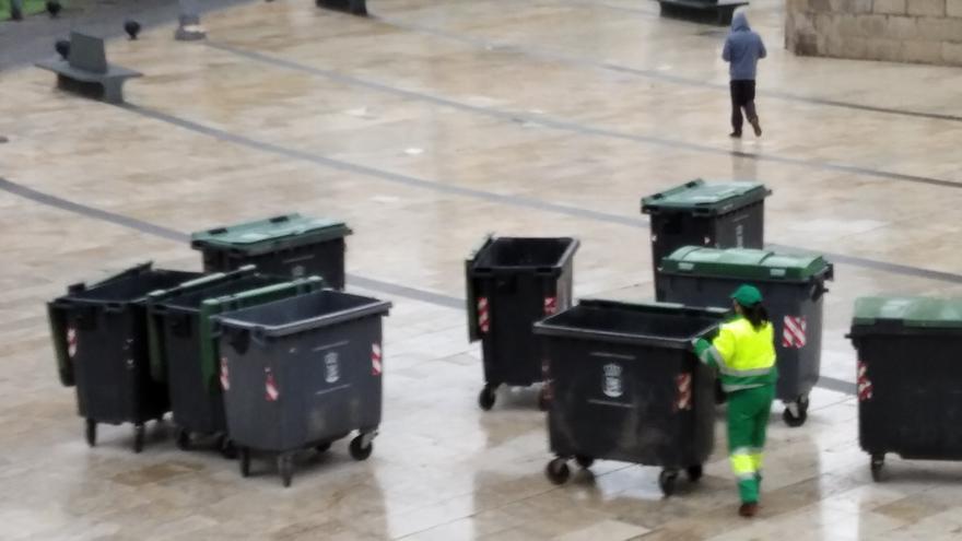 FCC recibirá 400.000 euros más al año para limpiar los parques a diario