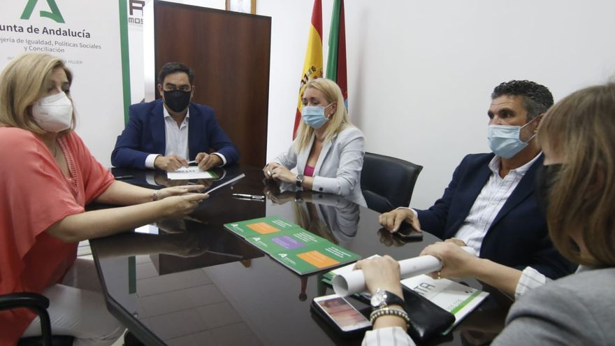 El IAM y ATA firman un acuerdo para fomentar el emprendimiento entre las mujeres