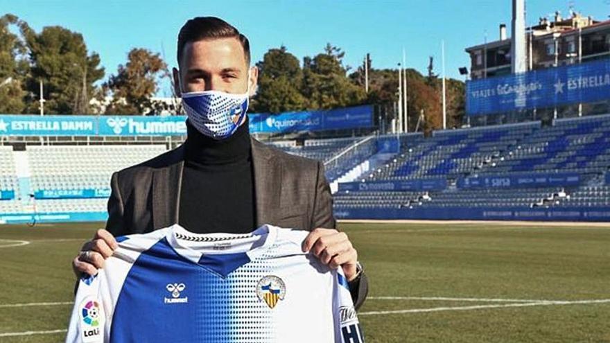 Álvaro Vázquez, única alta del Sabadell, busca su estreno goleador en el Gran Canaria