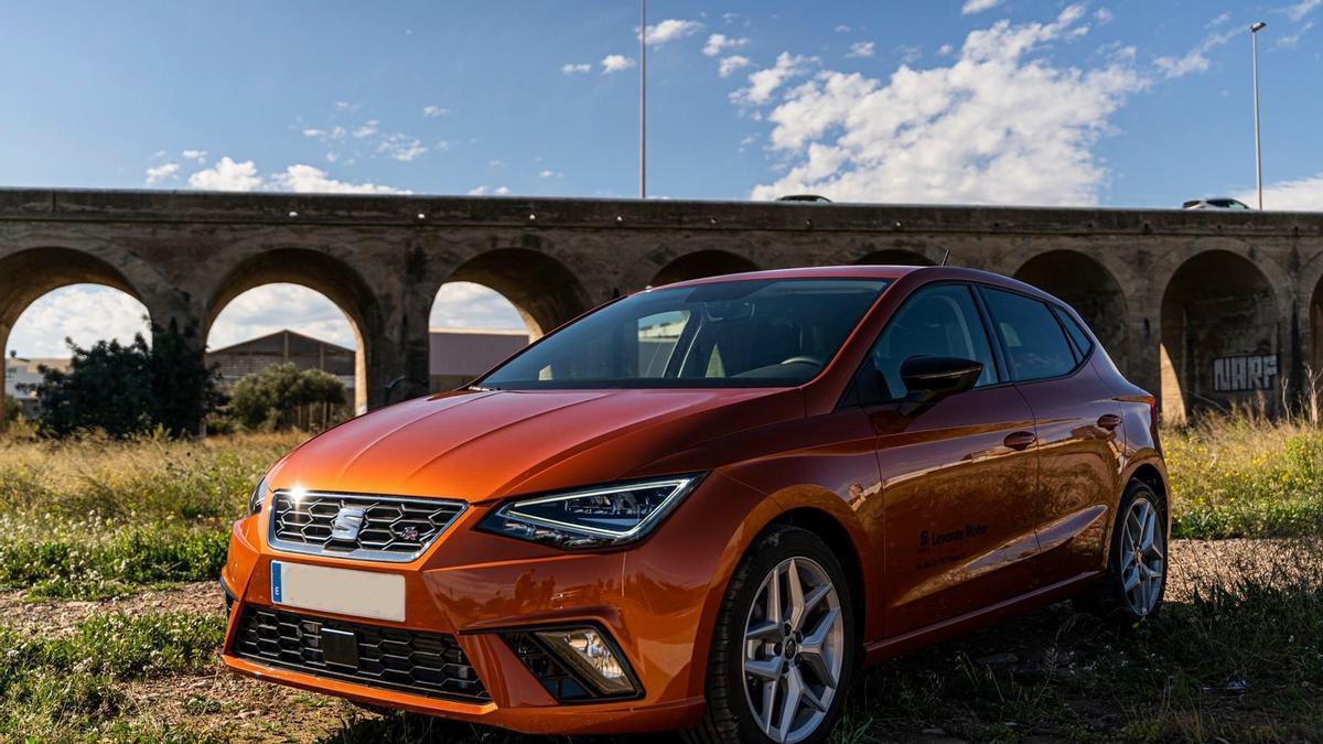 Seat Levante Motor ofrece 7.000 kilómetros de combustible gratis en la red de estaciones de servicio de Repsol, Campsa y Petronor.