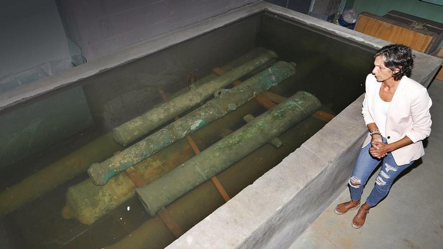 El experto mundial Christopher Dostal restaurará los seis cañones del Museo del Mar en otoño