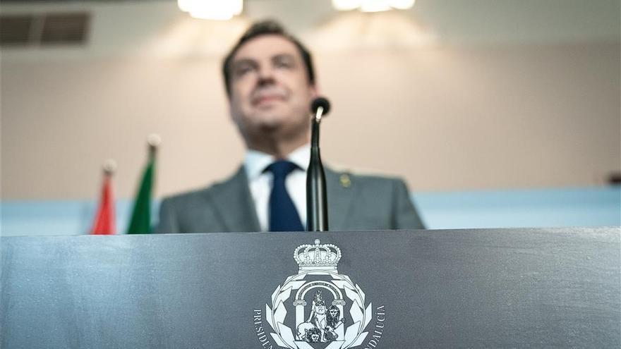 El Defensor del Pueblo Andaluz dice que la Junta no puede crear un escudo sin respaldo legal