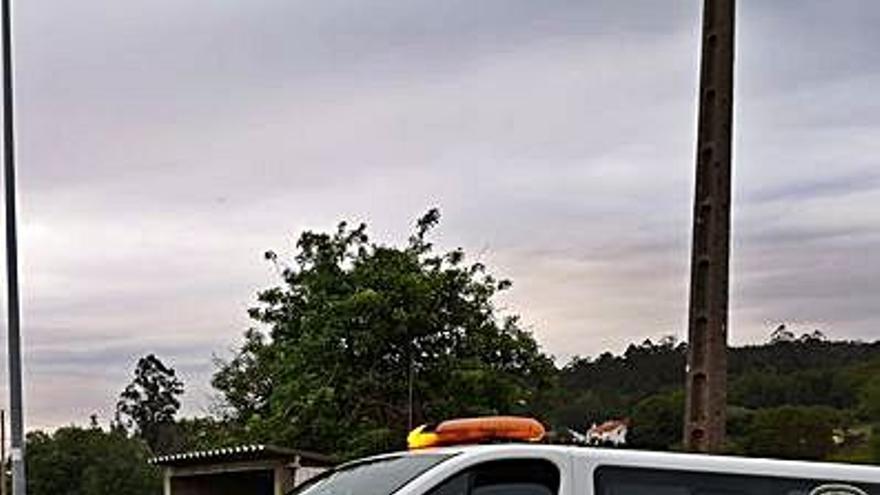 Protección Civil de Cuntis suma un nuevo todoterreno 'pick-up' a su parque móvil