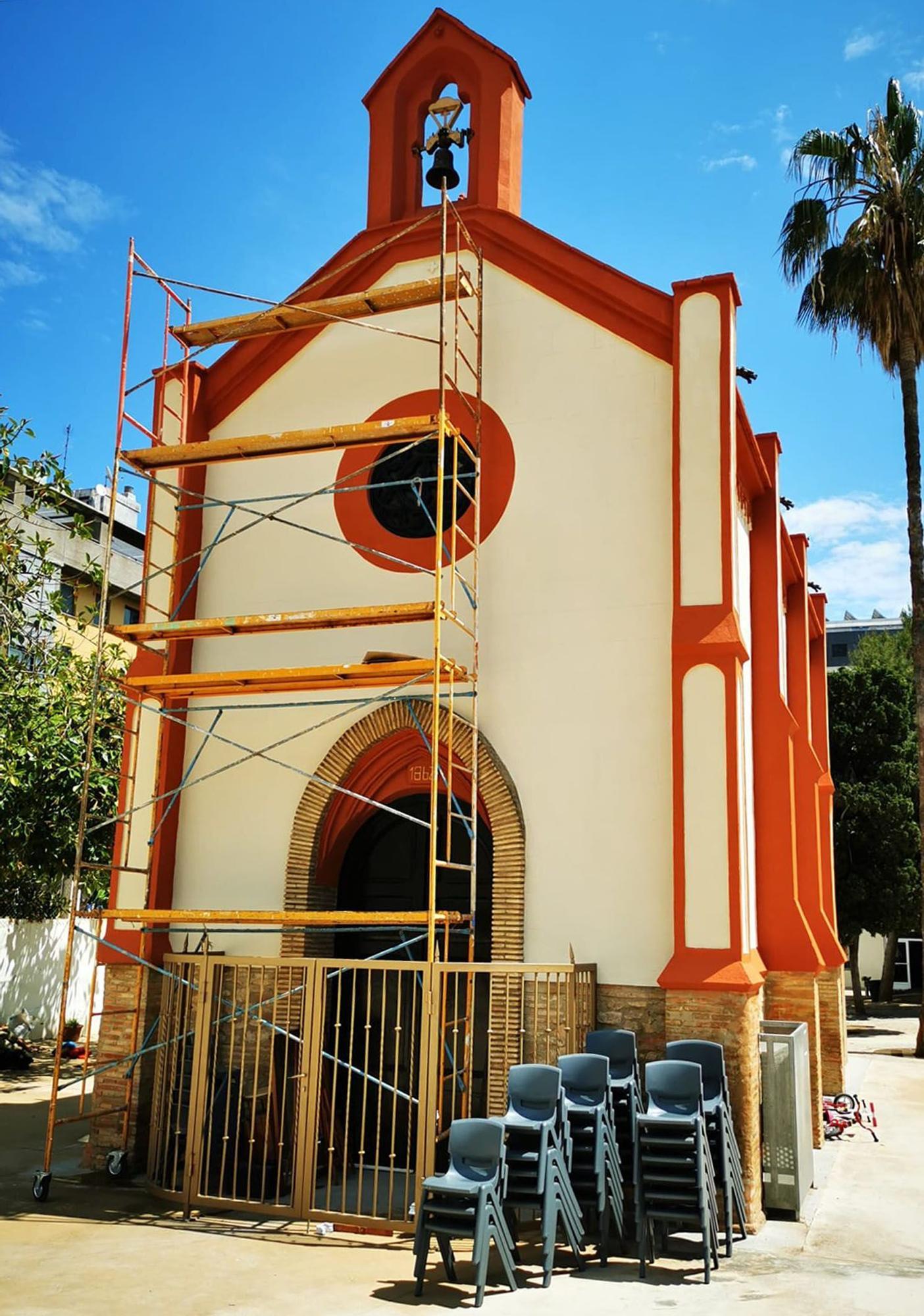 Restauran la ermita del colegio Ave María de Penya-Roja del siglo XIX