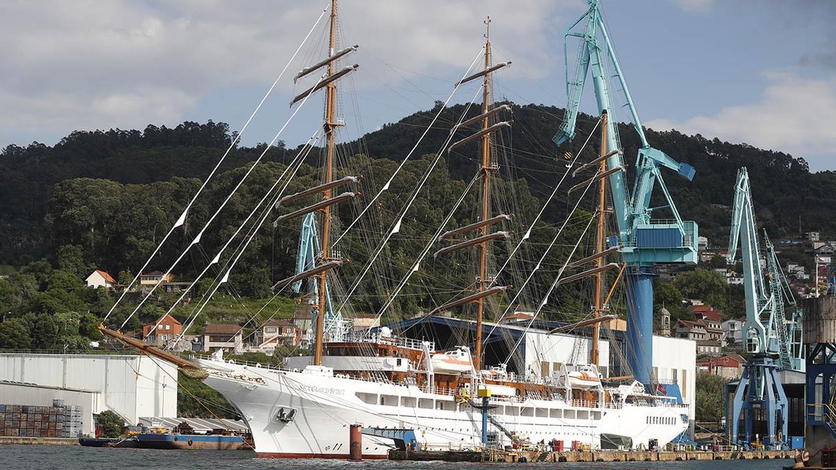 """El """"Sea Clod Spirit"""", amarrado en el muelle de armamento de MetalShips en Ríos (Teis). (8).jpg"""