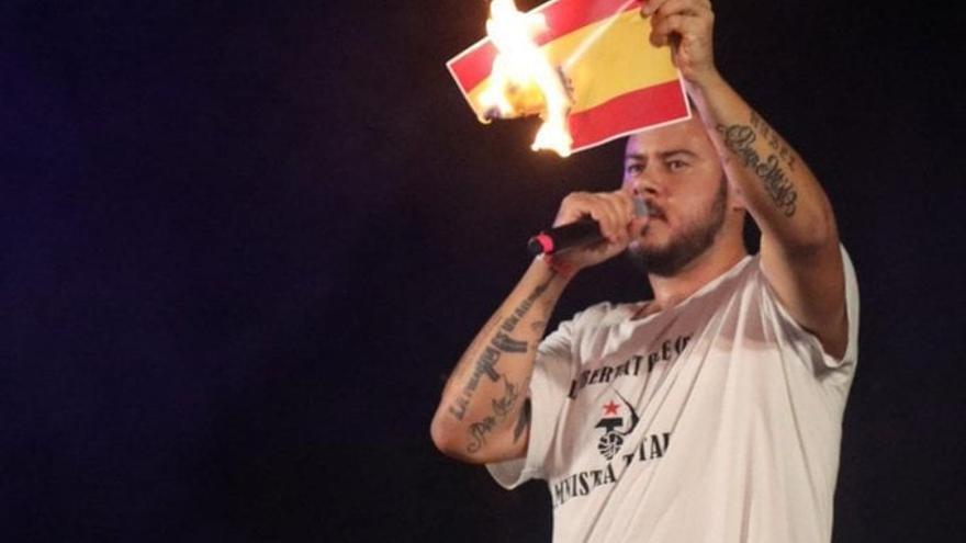 La Fiscalía acusa a Pablo Hasél de promover un ataque al cuartel de la Guardia Civil de Sineu