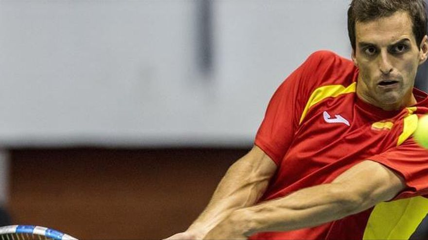 Djokovic arrolla a Albert Ramos y adelanta a Serbia