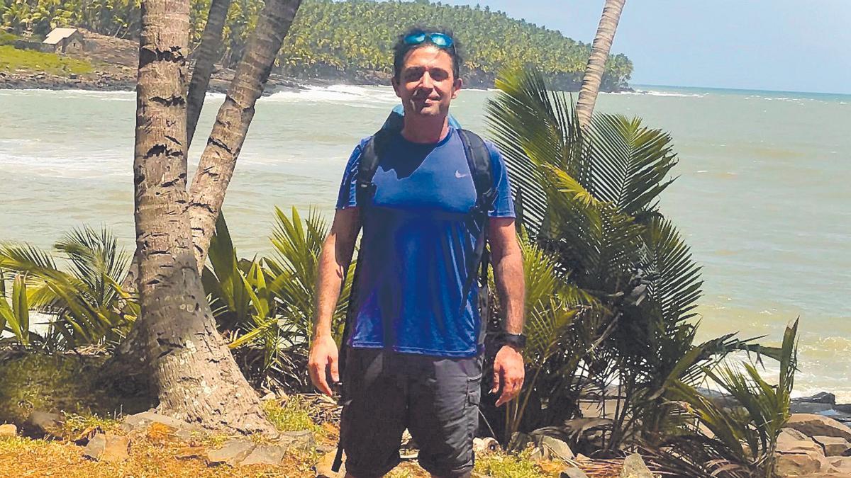 El zamorano Jorge Castaño, pleno verano para él en la Guayana Francesa, donde ejerce como enfermero y fisioterapeuta.   Cedida
