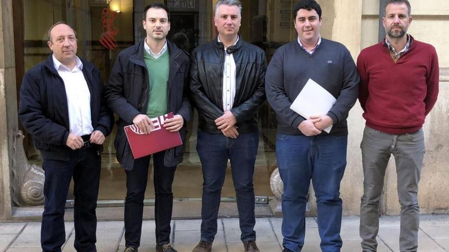 30 alcaldes de Castellón urgen a Les Corts a derogar el segundo médico en los 'bous'