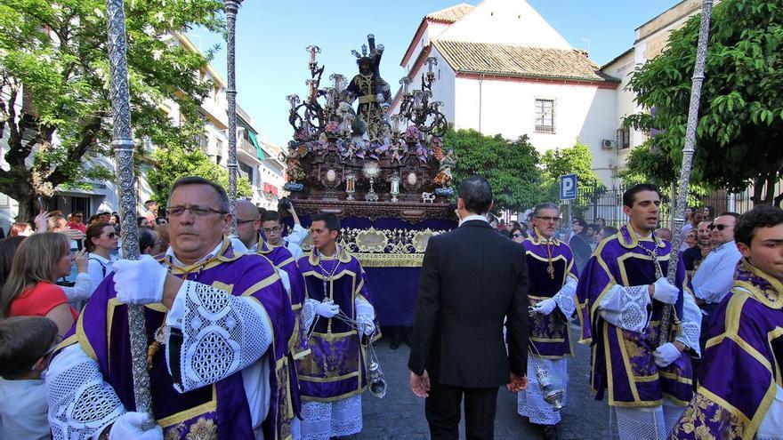La hermandad también consolida a Fléming como itinerario cofrade